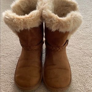Children's Place girl's size 5 fur lined boots